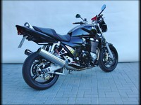 GSX1400-Blacksteel-Totale-Hinten-R1